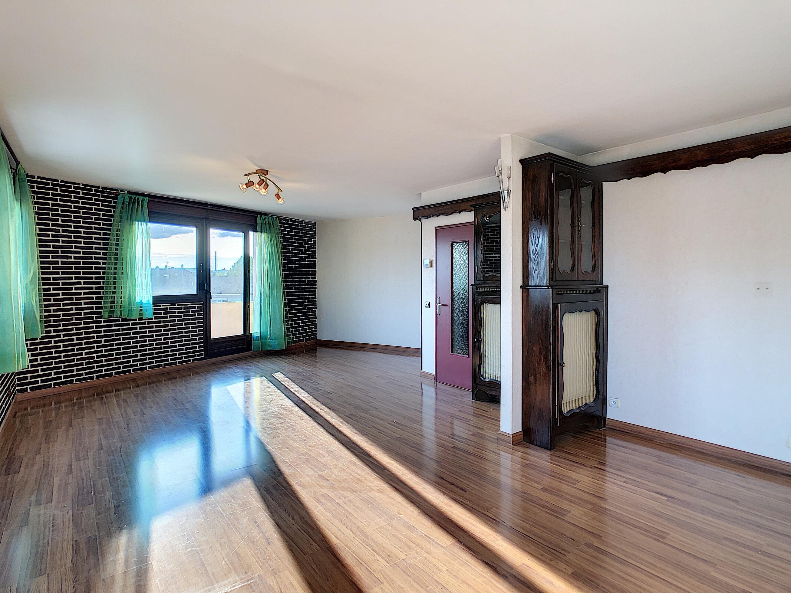 Appartement T5 de grande qualité + garage – Florange