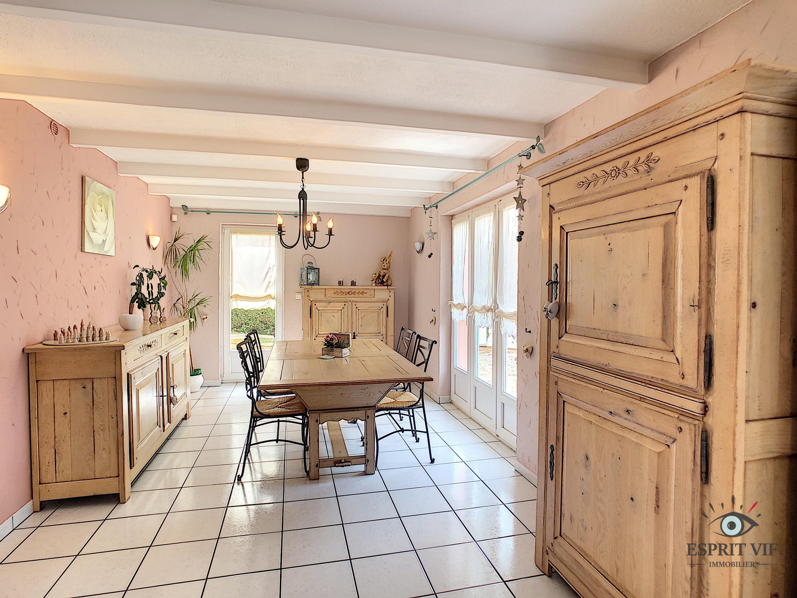 Maison atypique de beau standing – Briey